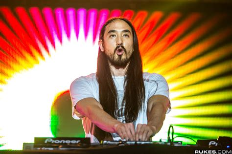 steve aoki one direction watch steve aoki one direction s louis tomlinson perform