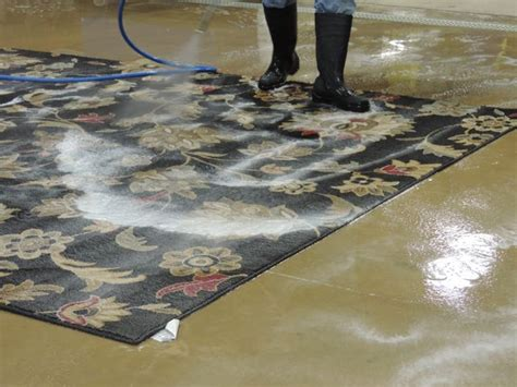 how to clean a throw rug 17 best ideas about rug cleaning on kitchen rug runners rugs on carpet and