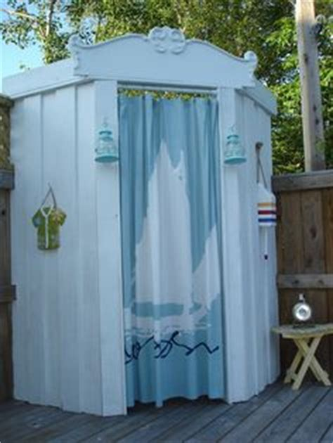 diy outdoor changing room decorate your cottage on cottage decor cottages and houses