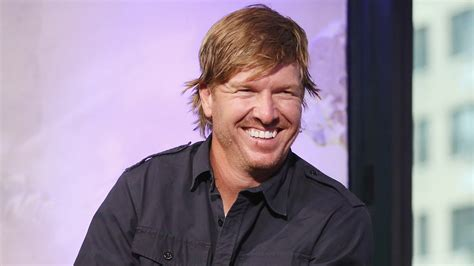 chip gaines chip gaines of fixer upper to release book about dumb