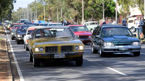 day holden and holden memories flow as production ends illawarra mercury