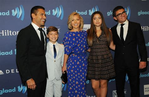 pictures of kelly ripas children kelly ripa kids husband family age height net worth