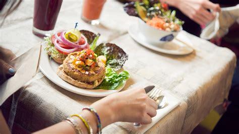 restaurants cafes places  eat victoria bc