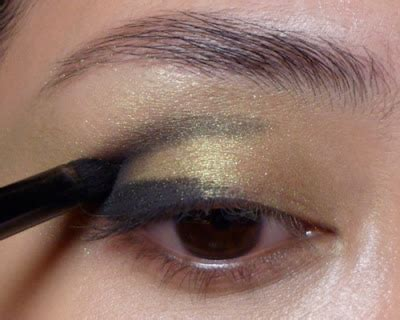 Pac District X Single Eye Shadow V For Violet winter forest green on green dramatic smoky
