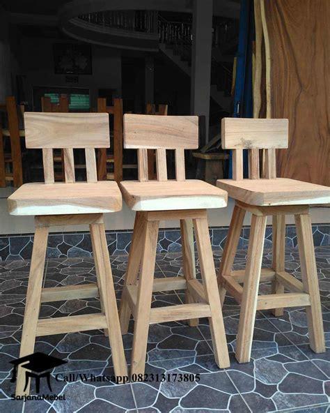 Kursi Bar Stool Kayu jual kursi bar stool kayu trembesi mebel jepara jatika