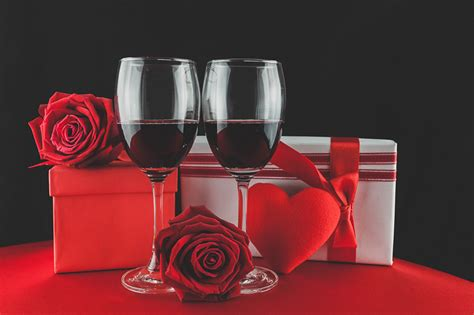 valentin wine pictures s day wine roses gifts