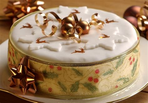 easy light christmas cake mummypages mummypages uk