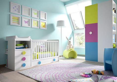 chambre bébé avec lit évolutif tapis chambre bebe nuage