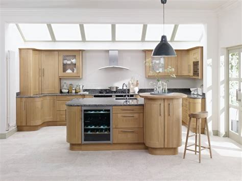Oak Kitchens Designs Broadoak Oak Kitchen Lark Larks