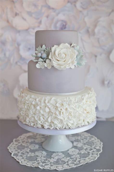 Hochzeitstorte Grau by Hochzeitstorten Dove Grau Hochzeitstorte 2032454 Weddbook