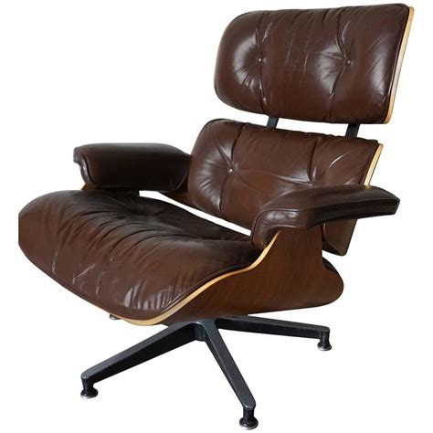 brown eames lounge chair model 670 brown leather lounge chair by charles and