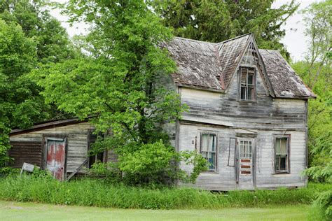 old farm houses old farm house manitoba canada stock photo dissolve