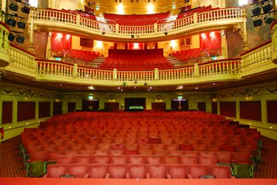 Floor Seating by West End Theatre Hire 187 Playhouse Theatre Spaces