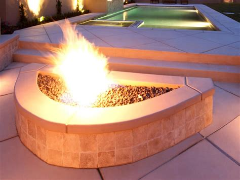 Small Outdoor Propane Pit Everyone Needs A Small Pit Pit Design Ideas