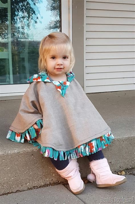 Design My Yard fleece lined hooded car seat poncho for toddlers reality