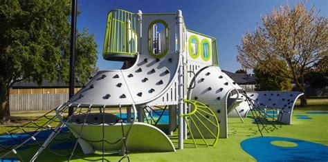 Landscape Structures Usa 24 Inspir 225 L 243 J 225 Tsz 243 T 233 R Pink Lemur