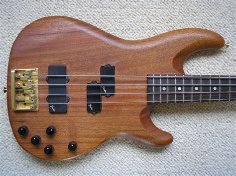 Fender Precission precision bass lyte deluxe fender precision bass lyte