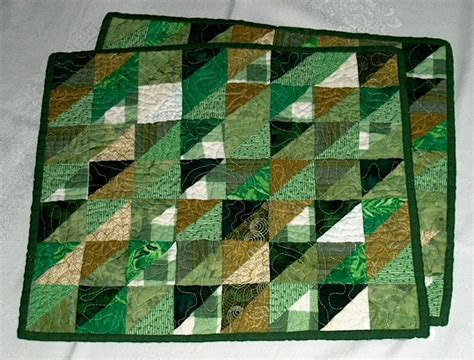 Quilting Placemat Patterns by 7 Free Quilted Placemat Patterns You Ll On Craftsy