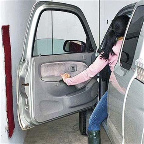 Protect Car Doors In Garage by 6 Protect Your Car Doors From Damage 10 Uses For Carpet