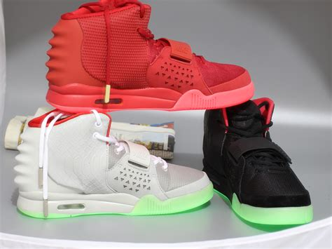 Air 2 Replika nike air yeezy 2 october aaa replica trainers wholesale