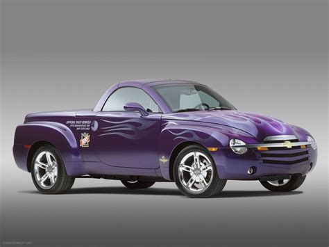 chevrolet ssr car wallpaper 021 of 37 diesel station