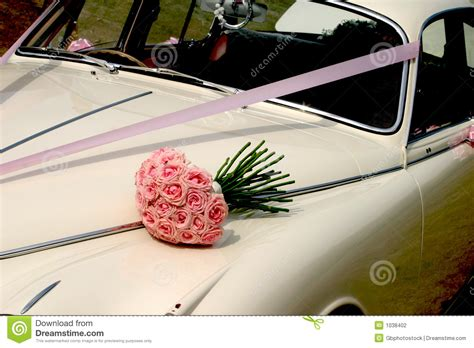 Wedding Car Bouquet by Wedding Bouquet Car Stock Photography Image 1038402