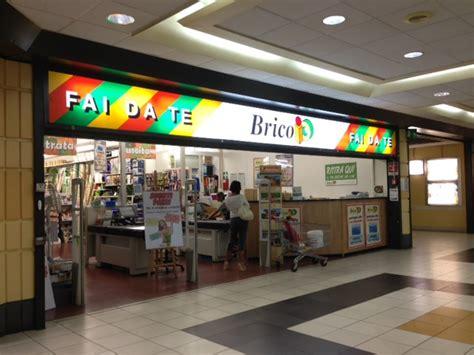 centro commerciale il gabbiano savona savona la crisi colpisce ancora il commercio chiude il