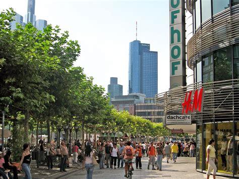 zeil frankfurt talkshow why a ban on beggars won t solve the problem