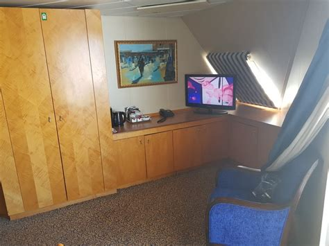 radiance of the seas two bedroom suite radiance of the seas two bedroom suite memsaheb net