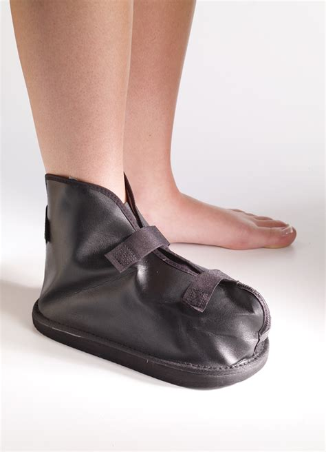 foot boot ankle cast boot www imgkid the image kid has it