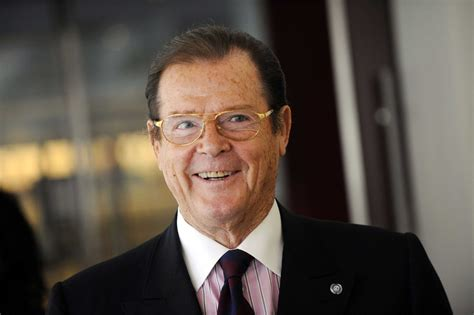 roger moore photo1 james bond actor sir roger moore dies aged 89