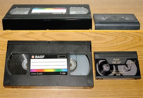 cassette videocamera is there a vhs adapter for 8mm