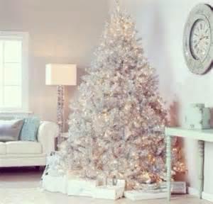 Ft Christmas Tree Sale - maxi albero bianco