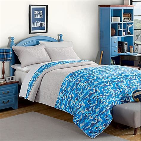 jordan bed set jordan quilt set in blue www bedbathandbeyond com