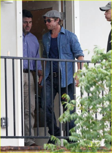 Background Check New Orleans Sized Photo Of Brad Pitt Checks Up New Orleans 08 Photo 2475878 Just Jared