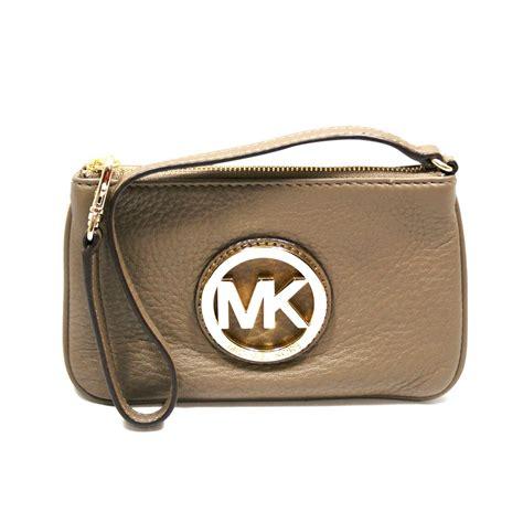 Michael Kors Fulton Wristlet michael kors fulton dune genuine leather small wristlet 38t1xftw1l michael kors 38t1xftw1l