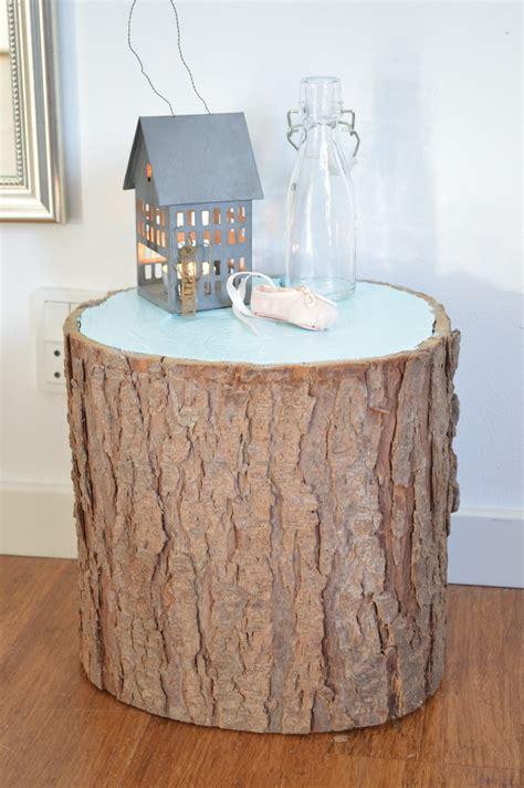 picture of painted tree stump