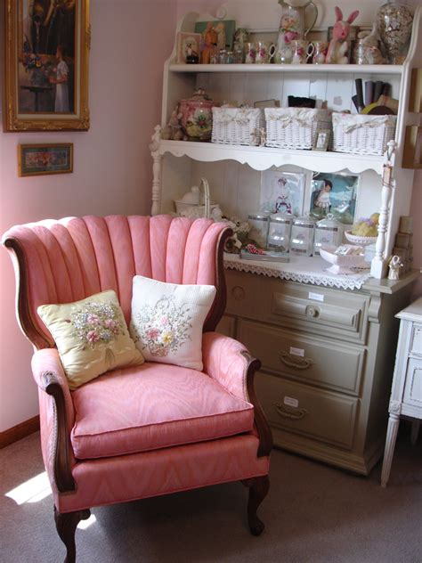 Painting Upholstered Furniture With Paint by It S A Kattywhompus Painting Upholstered Furniture