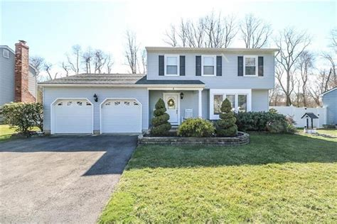 8 cherry tree circle howell nj 07731 for sale mls 1819029 weichert