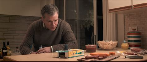 downsizing film see a tiny matt damon in the new trailer for downsizing