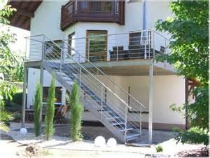 treppe selber bauen holz balkon treppe aus holz selber bauen hauptdesign