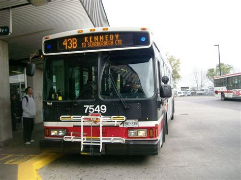 toronto couch file toronto transit commission 7549 a jpg wikimedia commons