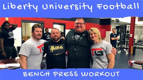 college football bench press liberty college football workout 325 bench press youtube