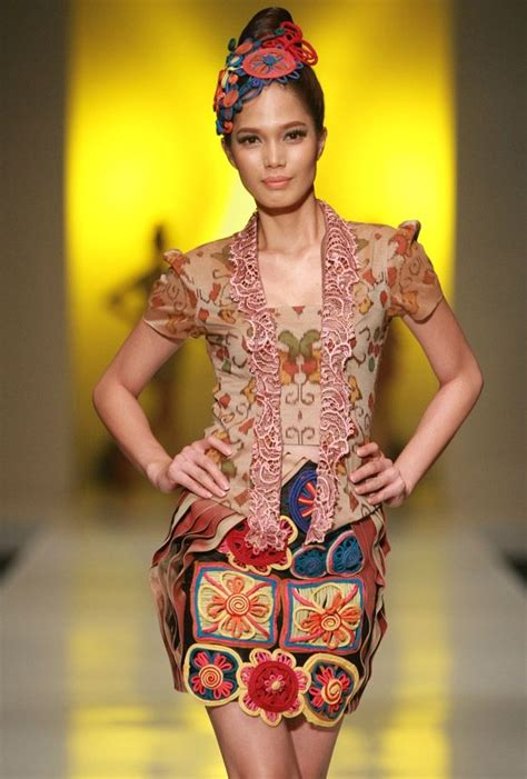 indonesia design week 22 best fashion style images on pinterest kebaya