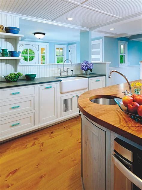 beadboard paneling kitchen 10 real exles of beautiful beadboard paneling