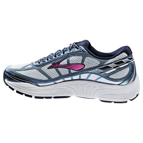 dyad running shoes dyad 8 road running shoes midnight fuschia womens at