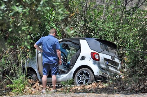 smart car crash 2016 smart fortwo cabrio prototype has an off the road oopsie