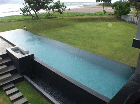 infinity pool bauen 20 meter infinity edge pool house batu in bali