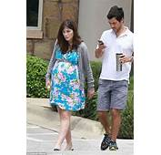 Any Day Now Zooey Deschanel Showed Off Quite The Bump While Out And