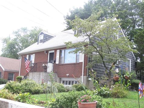 Garage Sales In Westchester Ny by Charming Home To All In Yonkers Westchester Ny